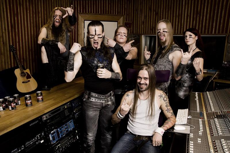 Ensiferum studiolla. Kuva Ester Segarra